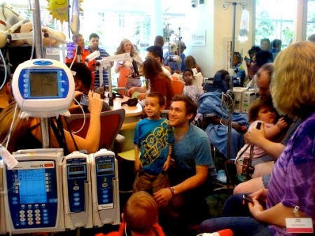 Children's Healthcare of Atlanta Welcomes American Idol