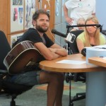 Passenger Performs 'Let Her Go' in Seacrest Studios!