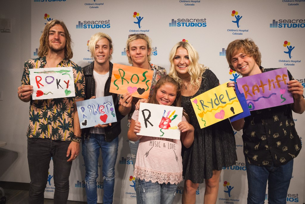 R5 performs in the seacrest studios in their home state ryan related posts m4hsunfo