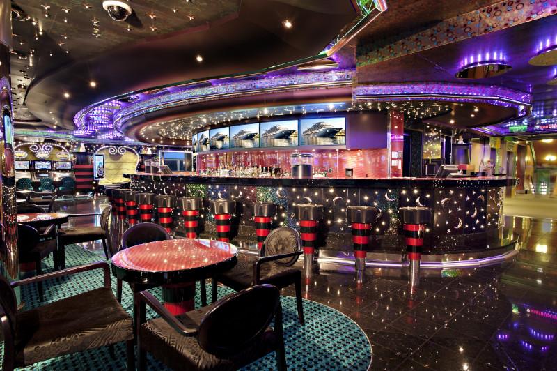Promenade Bar