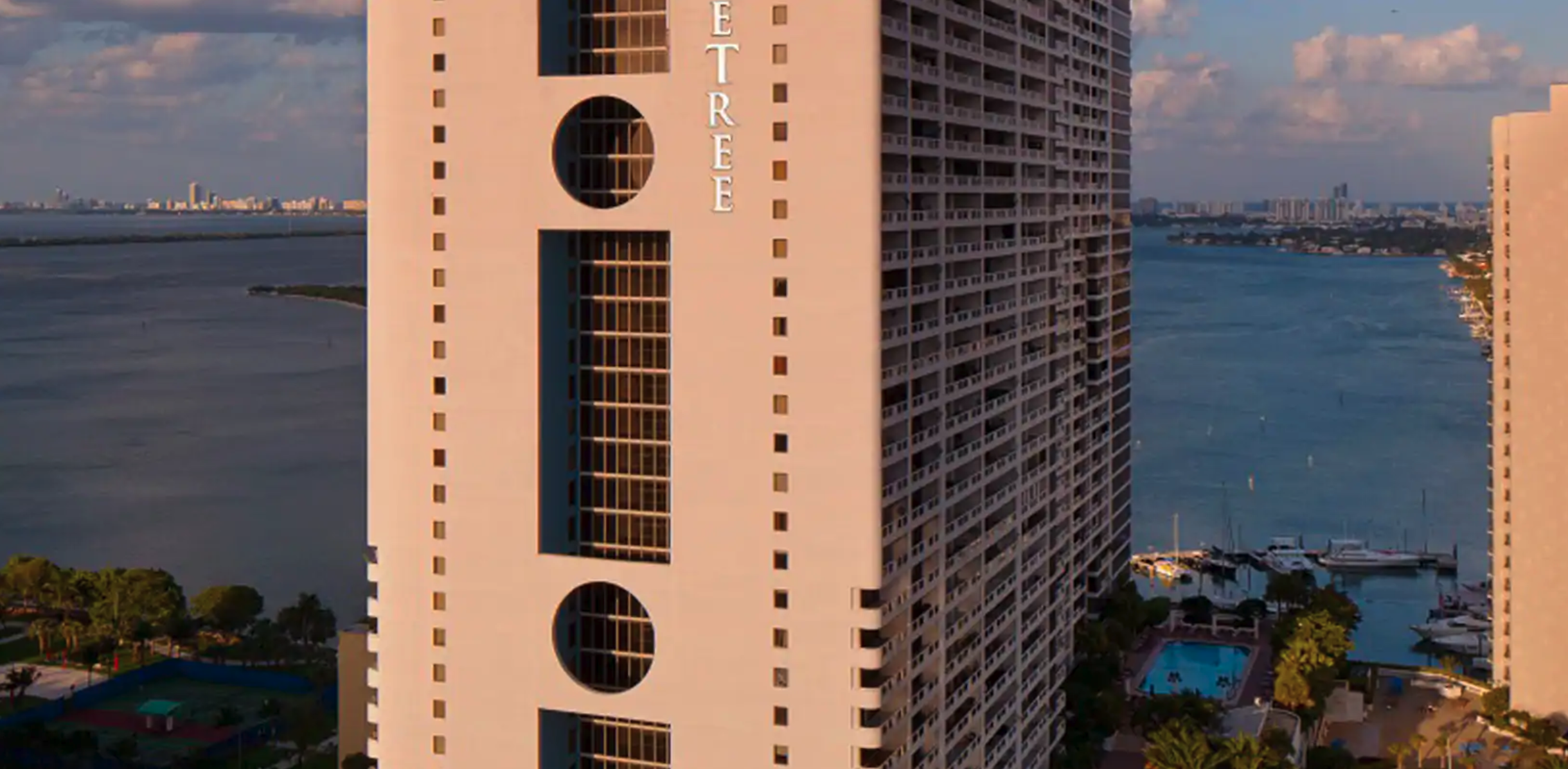 Doubletree Grand Biscayne Bay