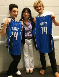 Orlando - Meryl & Charlie receive personalized jerseys