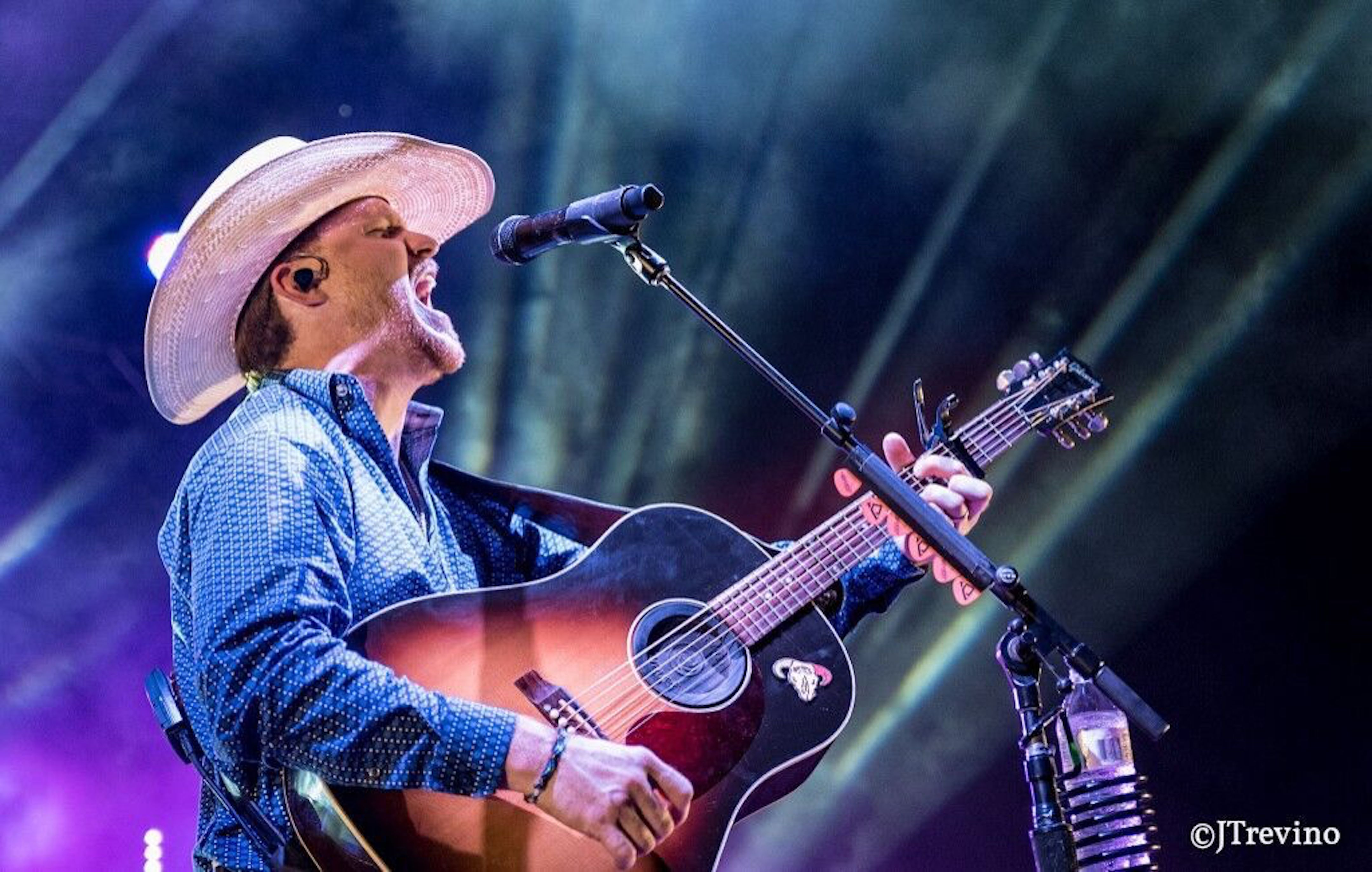 CODY JOHNSON MOST STREAMED INDIE COUNTRY ACT OF 2017 JUST BEHIND GARTH BROOKS, JEWEL AND THE DIXIE CHICKS
