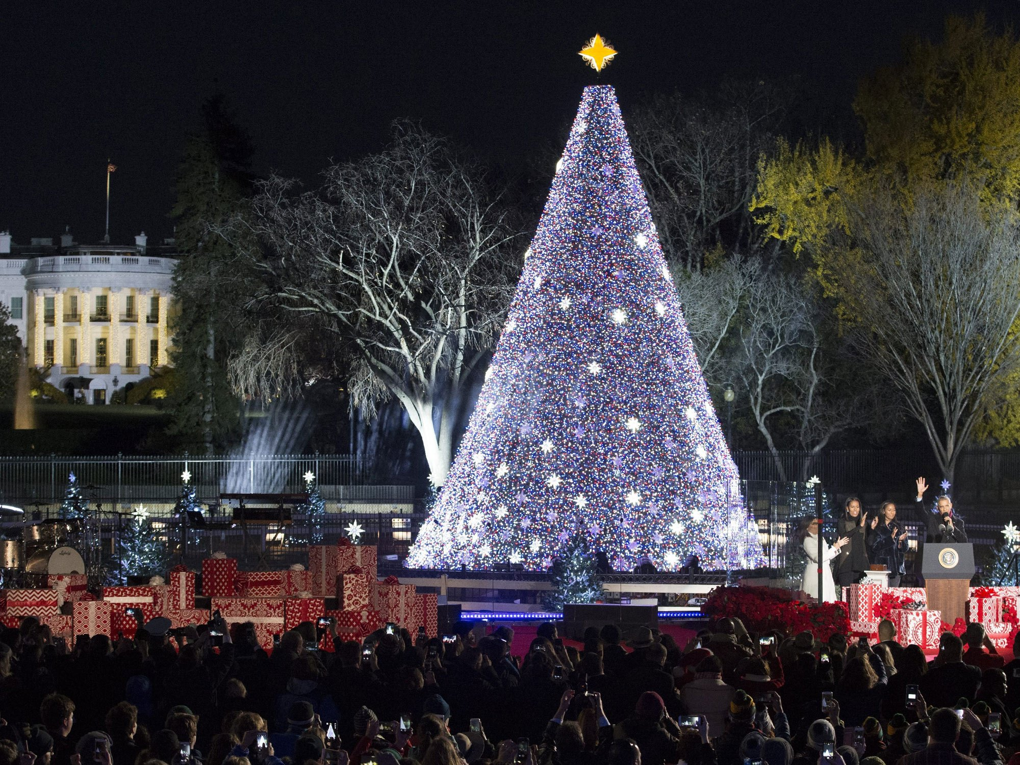 National Christmas Tree Lighting.Thompson Square Set To Perform At The 96th Annual National
