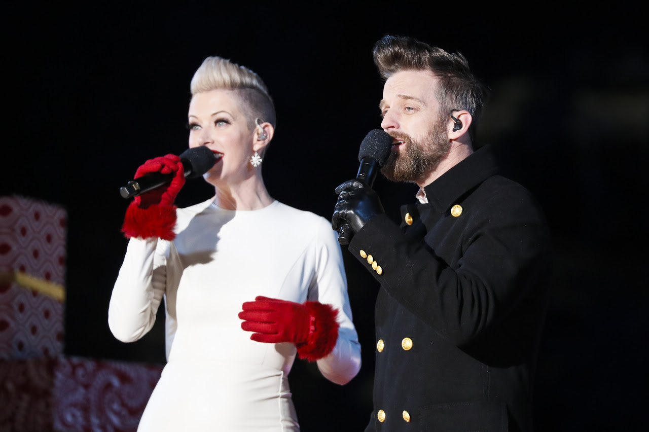 THOMPSON SQUARE LIGHT UP THE HOLIDAYS AT 96TH ANNUAL NATIONAL CHRISTMAS TREE LIGHTING