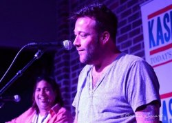 Uncle Kracker at KASE in Austin