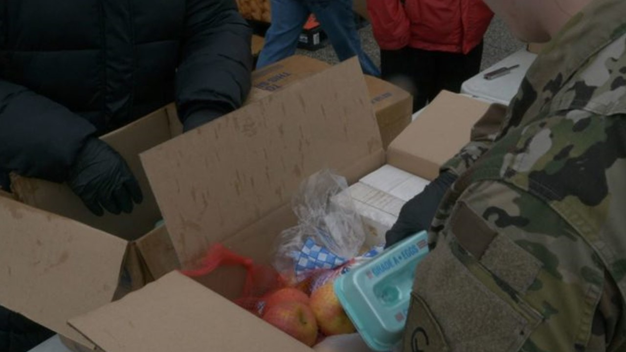 Indiana National Guard Troops Help Hoosier Food Banks Dealing With COVID-19 Pandemic