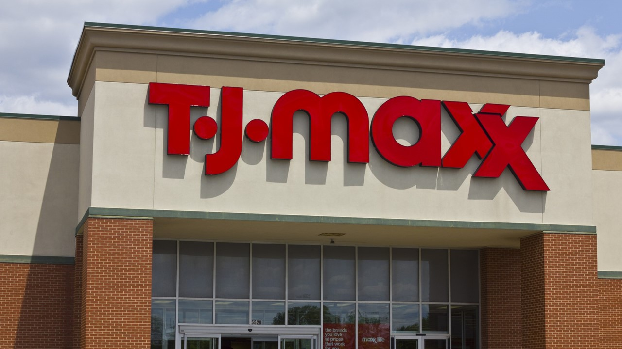Kohl's Closes & Postpones Grand Opening, TJ Maxx to Close For Two Weeks