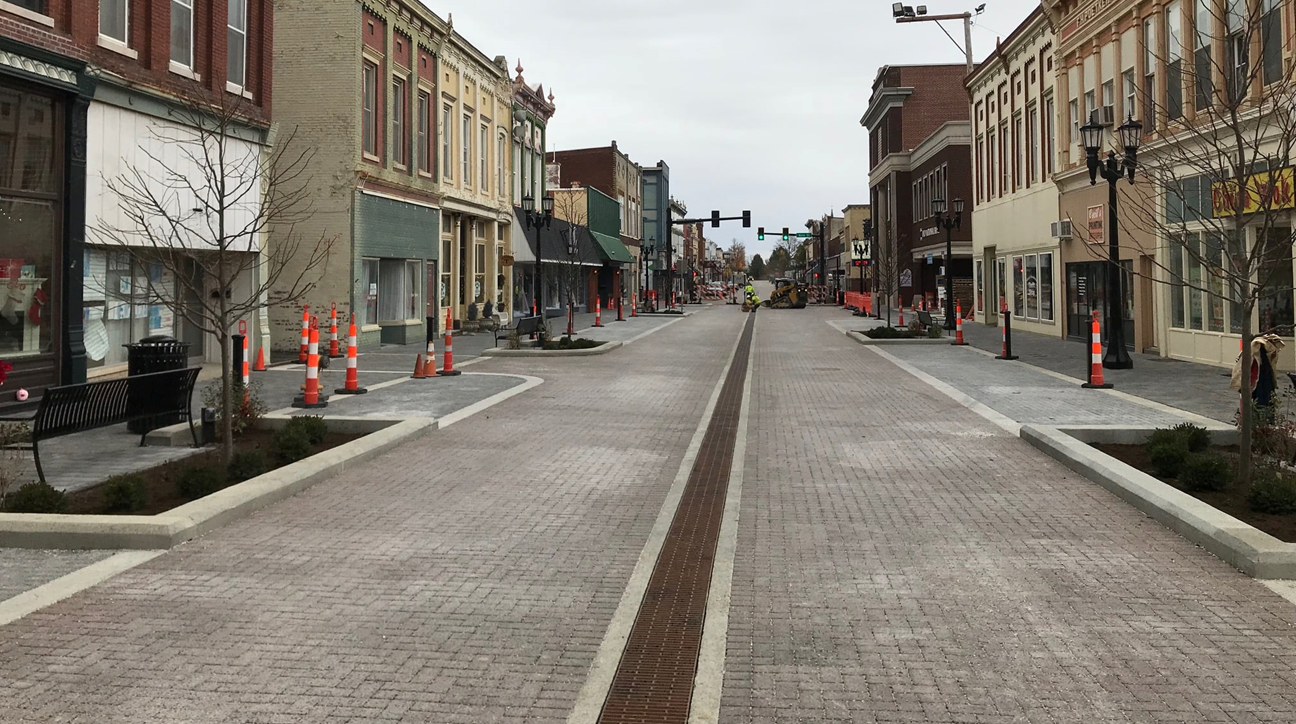 West End of 4th Street in Huntingburg Reopens In Time For Christmas Stroll