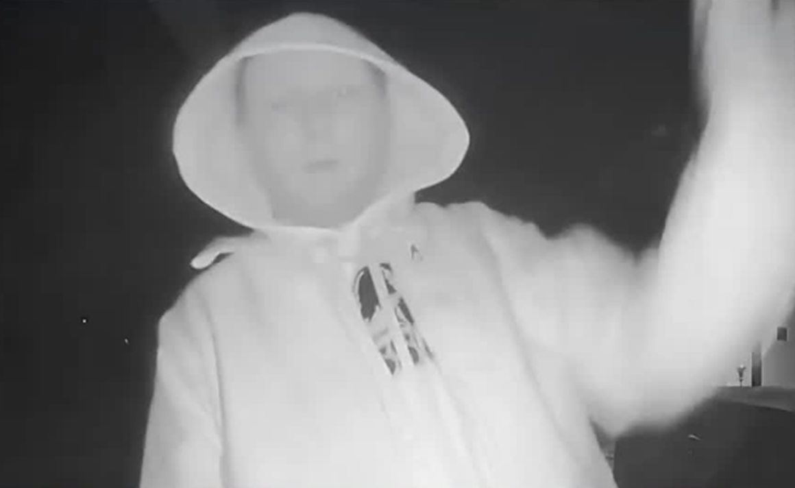 DO YOU KNOW HIM?  Man Caught on Camera Trying to Break Into Home Christmas Night