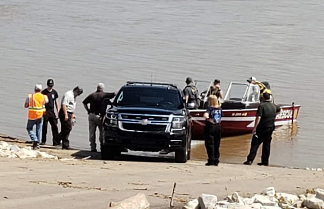 Man Arrested For Allegedly Driving Stolen Box Truck into the Ohio River in Troy
