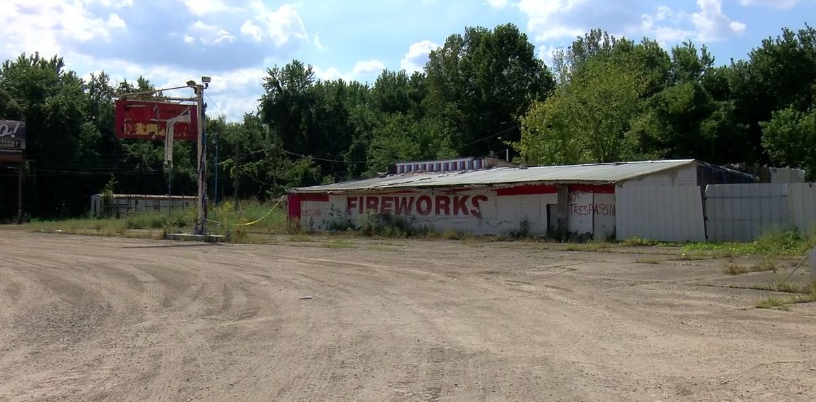 Commissioners Vote to Demolish Abandoned Fireworks Store