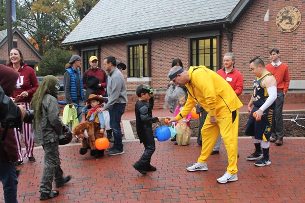 Gov. Holcomb and First Lady Open Home to Trick-or-Treaters