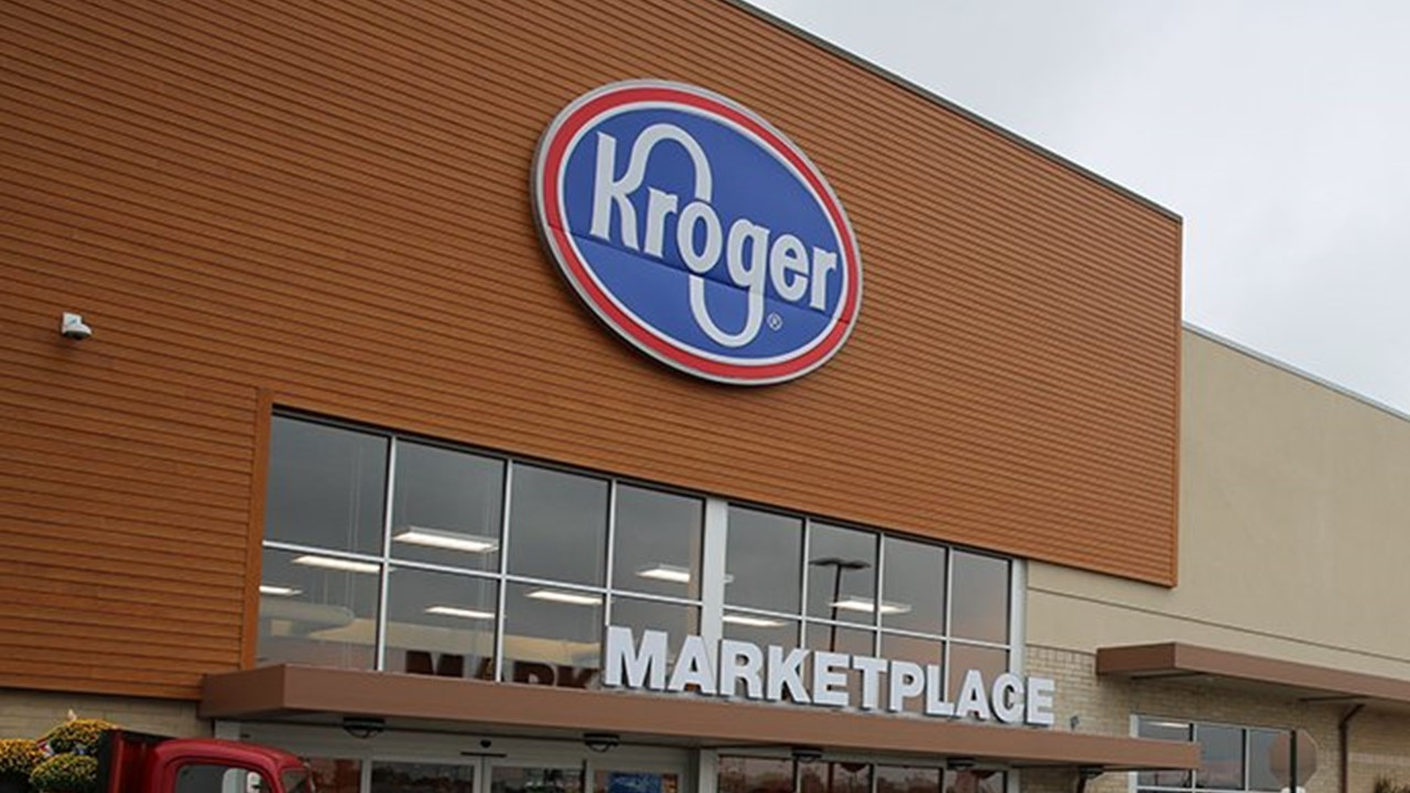 Kroger to Require Employees to Wear Face Masks to Work