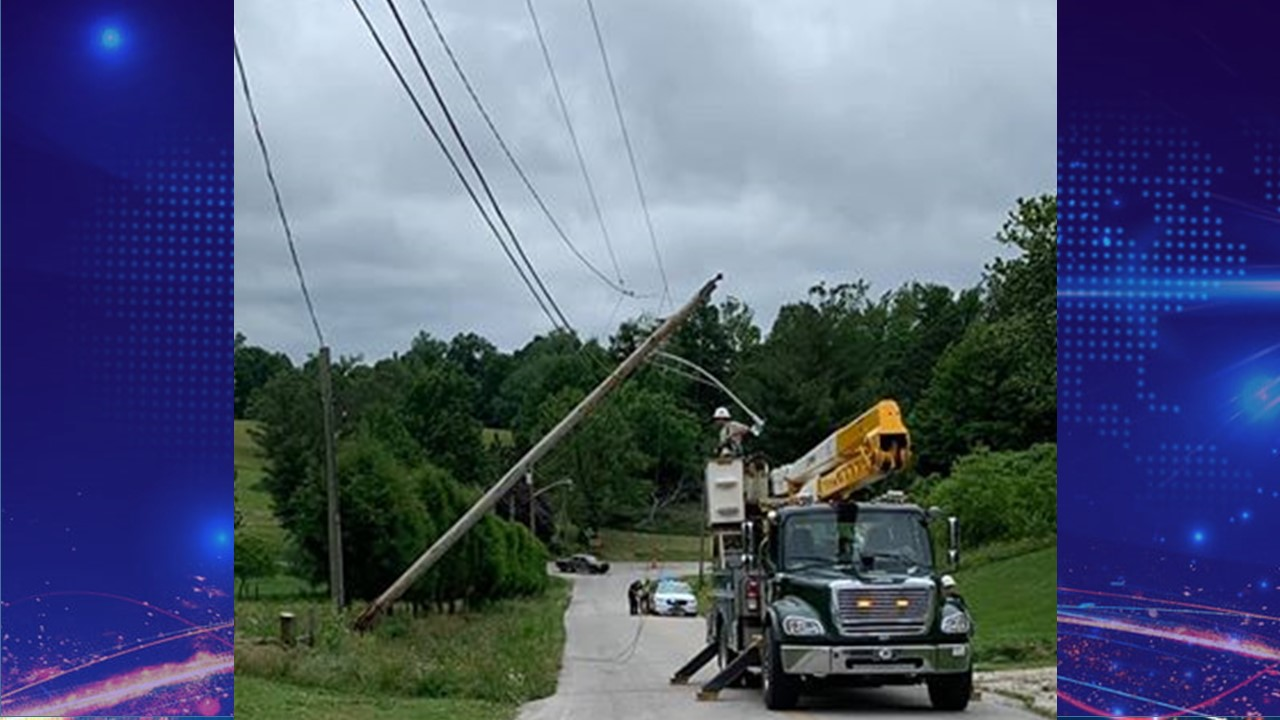 Truck Brings Down Power Lines, Closing Dubois Road NE for a Time