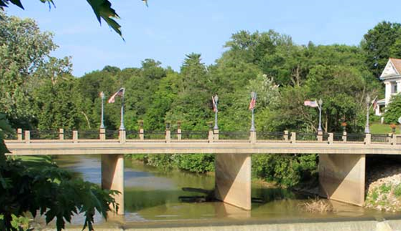 Patoka 2000 Seeks Donations For Holiday and Winter Decorations on Patoka River Bridge