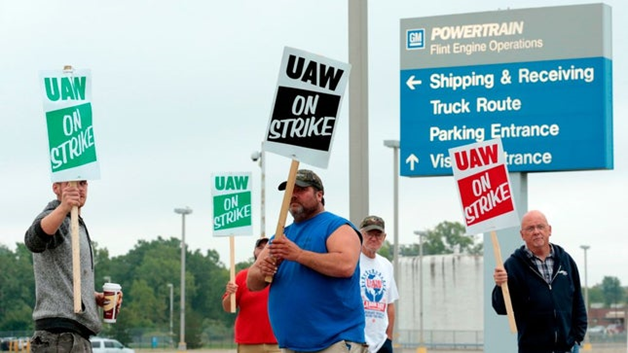 Union Reaches Deal With General Motors, Strike Continues Until Workers Vote on It