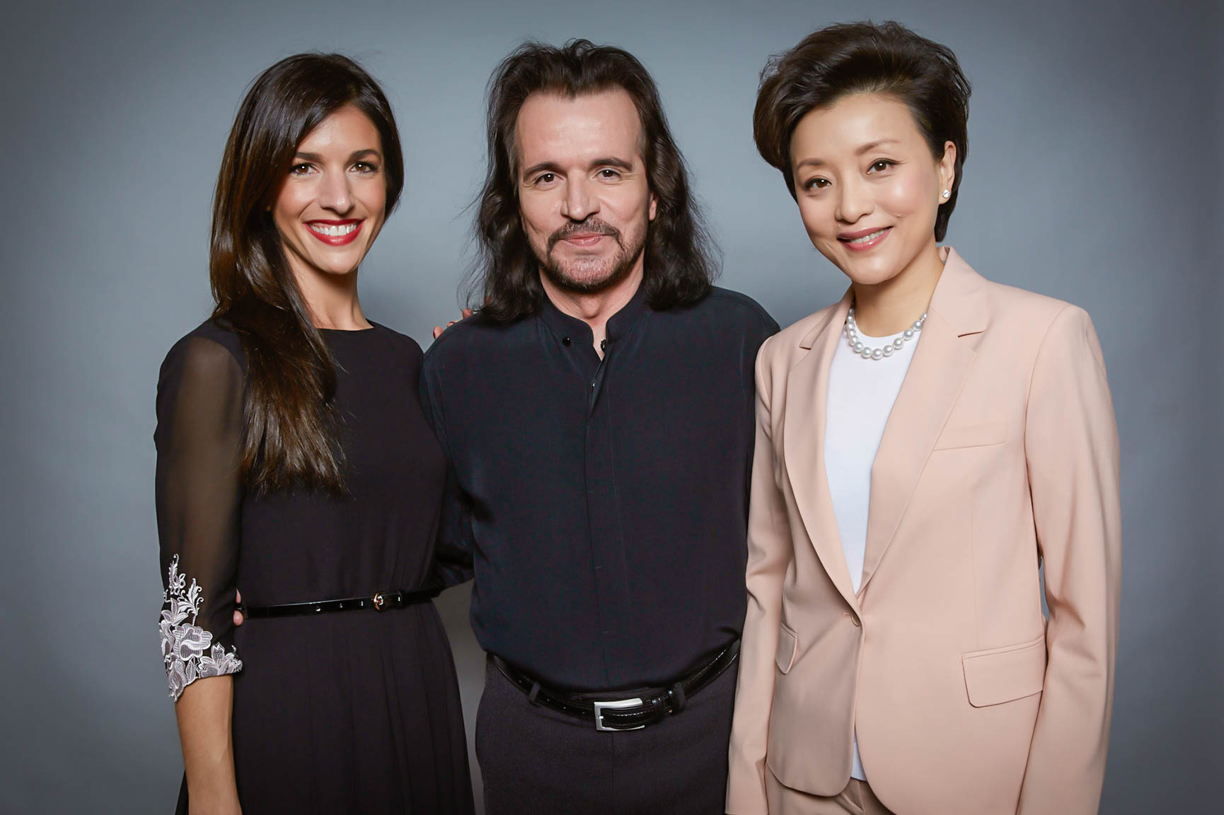 Yang Lan interviews Yanni in China