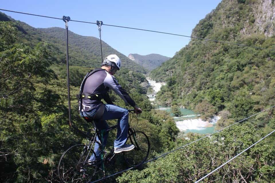 Pedalea en las alturas con la tirolesa en bici