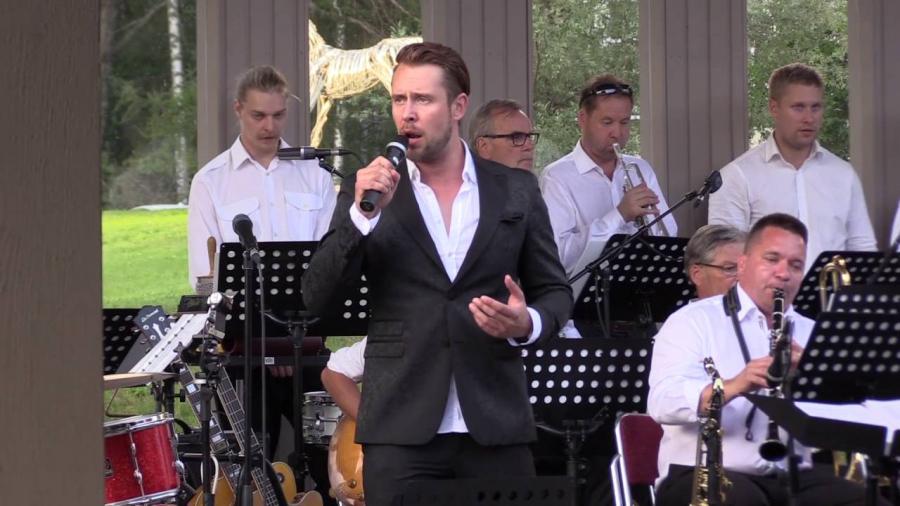 Waltteri Torikka & Arto Paju Big Band taidekeskus Salmelassa 1