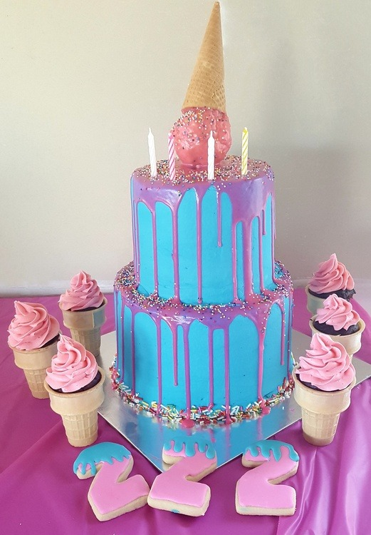 Icream cake and cones and cookies