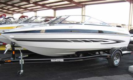 New 2008 Glastron GT 185 bowrider - Black