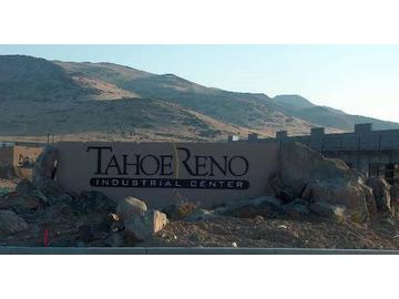 Wall_tahoe_reno_insustrial_sign