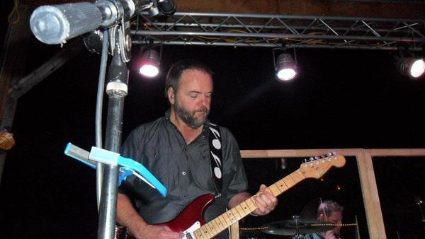 <p>Dave Olberding - Lead Guitar, Vocals</p>