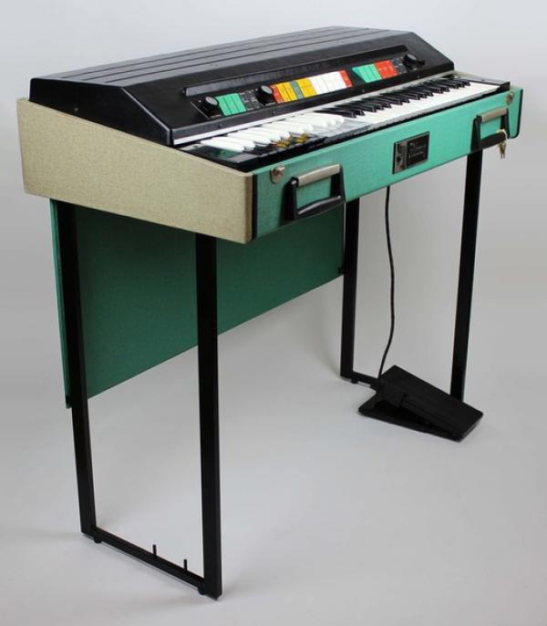 1st Organ;  Gibson - G101 (1972)