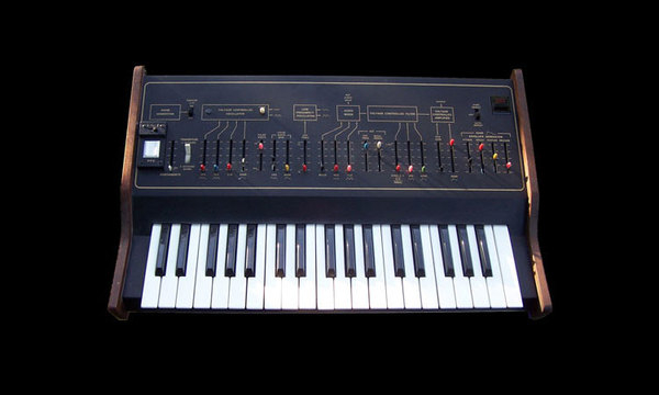 1st Synthesizer; Arp - Axxe (1975)