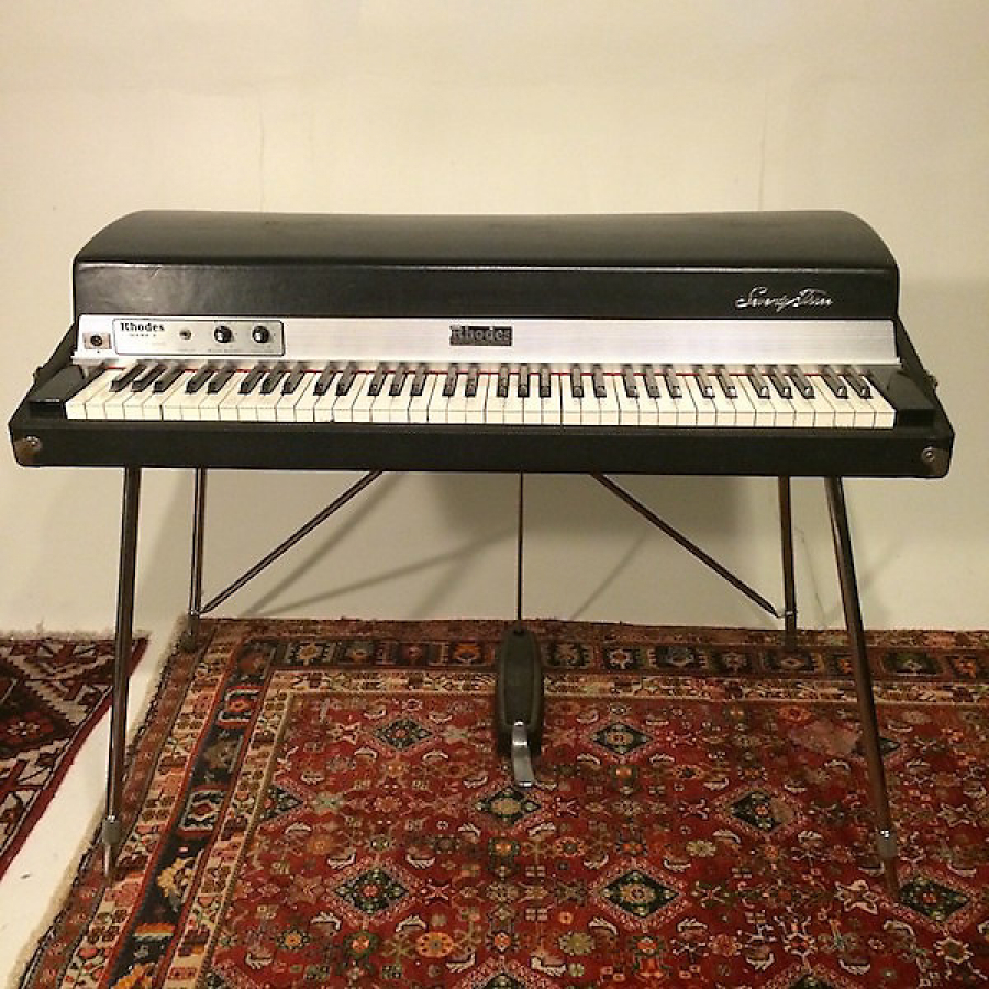 1st Electric Piano; Fender Rhodes 73 (1977)
