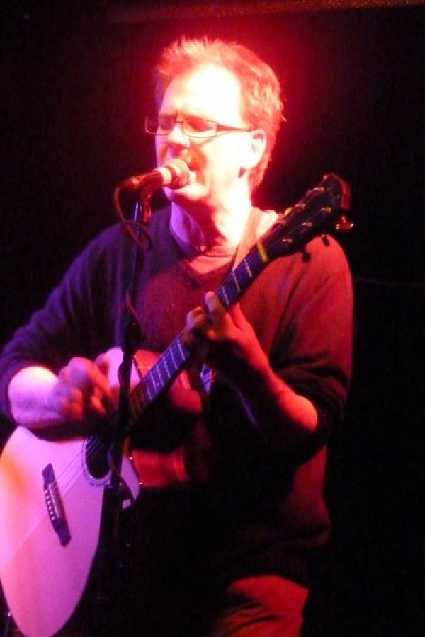 Playing at The Half Moon Herne Hill, Len's Open Mic on Tuesday evenings. The pic was taken by Yvonne Reeves.