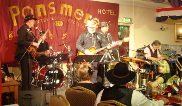 <p>&nbsp;Ponsmere Hotel Perranporth Cornwall</p> <p>With Guests Bob Dixon &amp; Glen Blacker</p>