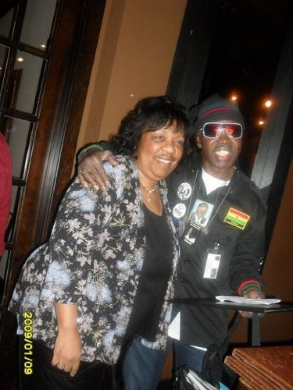 Lady Junn shared the stage with the now famous Gener Larry Platt in a popular Atlanta night spot. The General is well known to American Idol fans as The pants on the ground guy