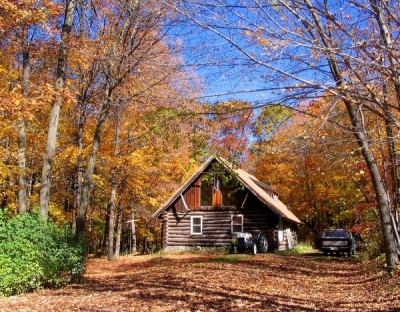 <p>KLS STUDIOS - FREDERIC WI. GET AWAY FROM IT ALL AND RECORD YOUR MUSIC IN THE WOODS !</p>
