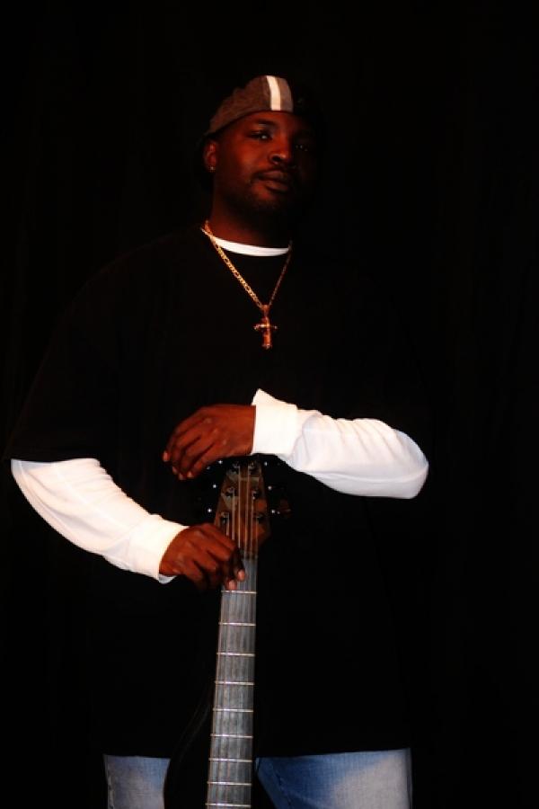 <p>Mike Gross (Bass Player)</p>
