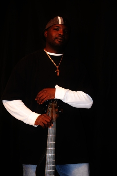 <p>Mike Gross (Bass Player)</p>