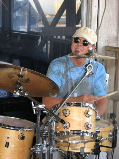 <p>Gene Houston on the kit</p>