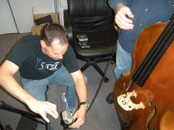 Miking the Bass / Jason Shaw & John Paul