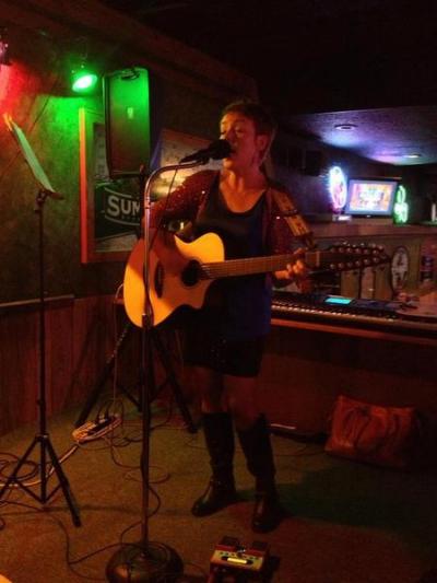 <p>Performing at RT Quinlan's Saloon</p>