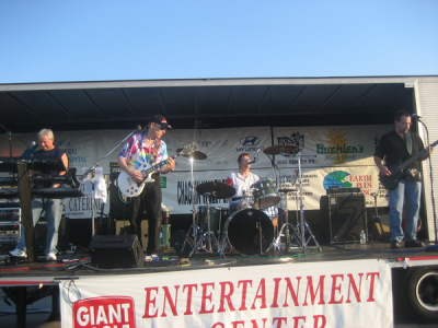 YEARBOOK, Featured band at the 2008 Brunswick Old fashioned days