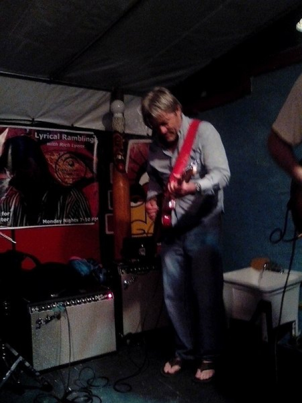 RON HART jammin' with the Trash!