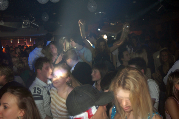 Club Gravity, Lithuania - party people