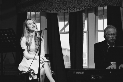 Lana and Kent Goodson performing at Cafe Fontanella