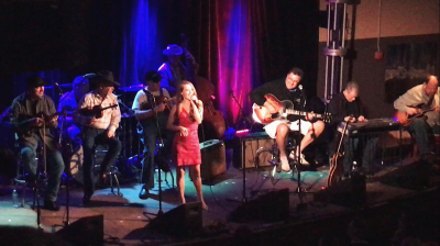 Lana singing