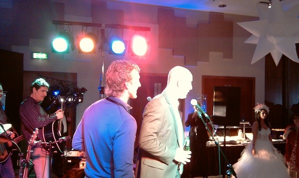 <p>&nbsp;Dirk Kuyt and Pepe Reina from Liverpool FC introducing The Wickermen at the Liverpool FC Winter Ball 2010</p>