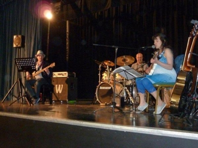 <p>Haywards Heath Beer Festival, 1 May 2011</p> <p>(Bass: Piers Moth. Drums: Graham Guthrie)</p>