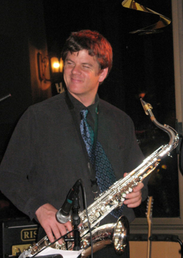 The smooth jazzy stylings of Scott Roewe