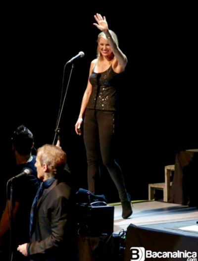<p>&nbsp;Ashley Locheed with Michael Bolton - 2014</p>