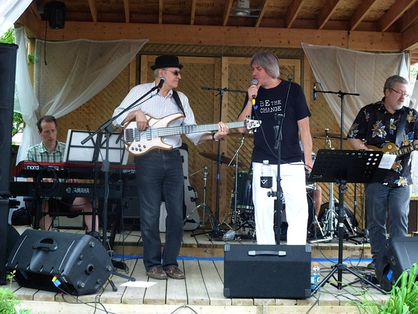 <p><strong>&nbsp;Rock for Roger's Fundraiser, La Piazza Restaurant, Manotick--June 8, 2014</strong></p>